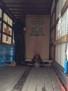 Amerikanischen Kühlschrank transportieren