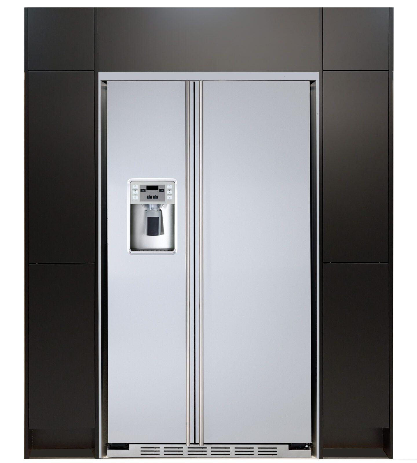 Side-by-Side Kühlschrank Türe stellen